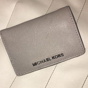 Michael Kors grey/silver in great condition wallet